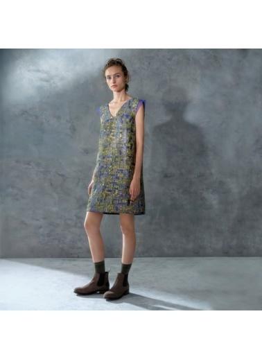 Yargıcı Düğme Detaylı Elbise Lila